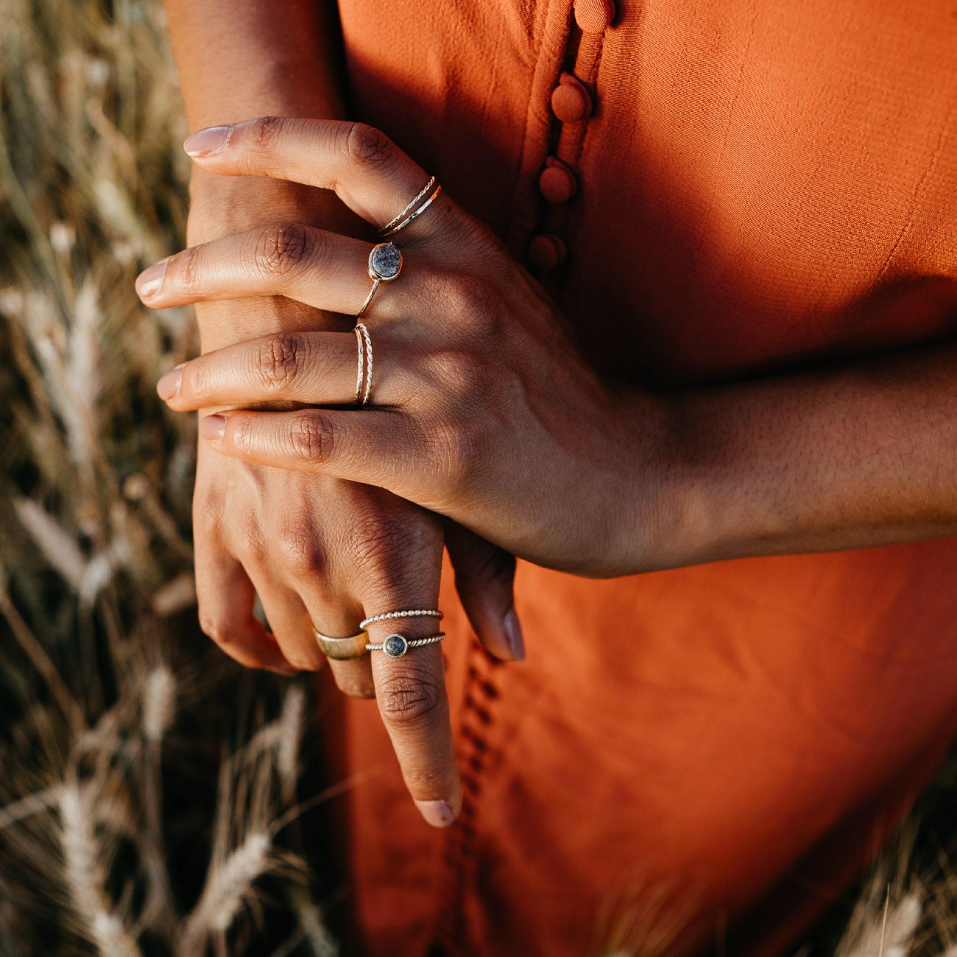 Ring aus Asche mit Tierasche oder Mensch verstorben Goldring Erinnerung