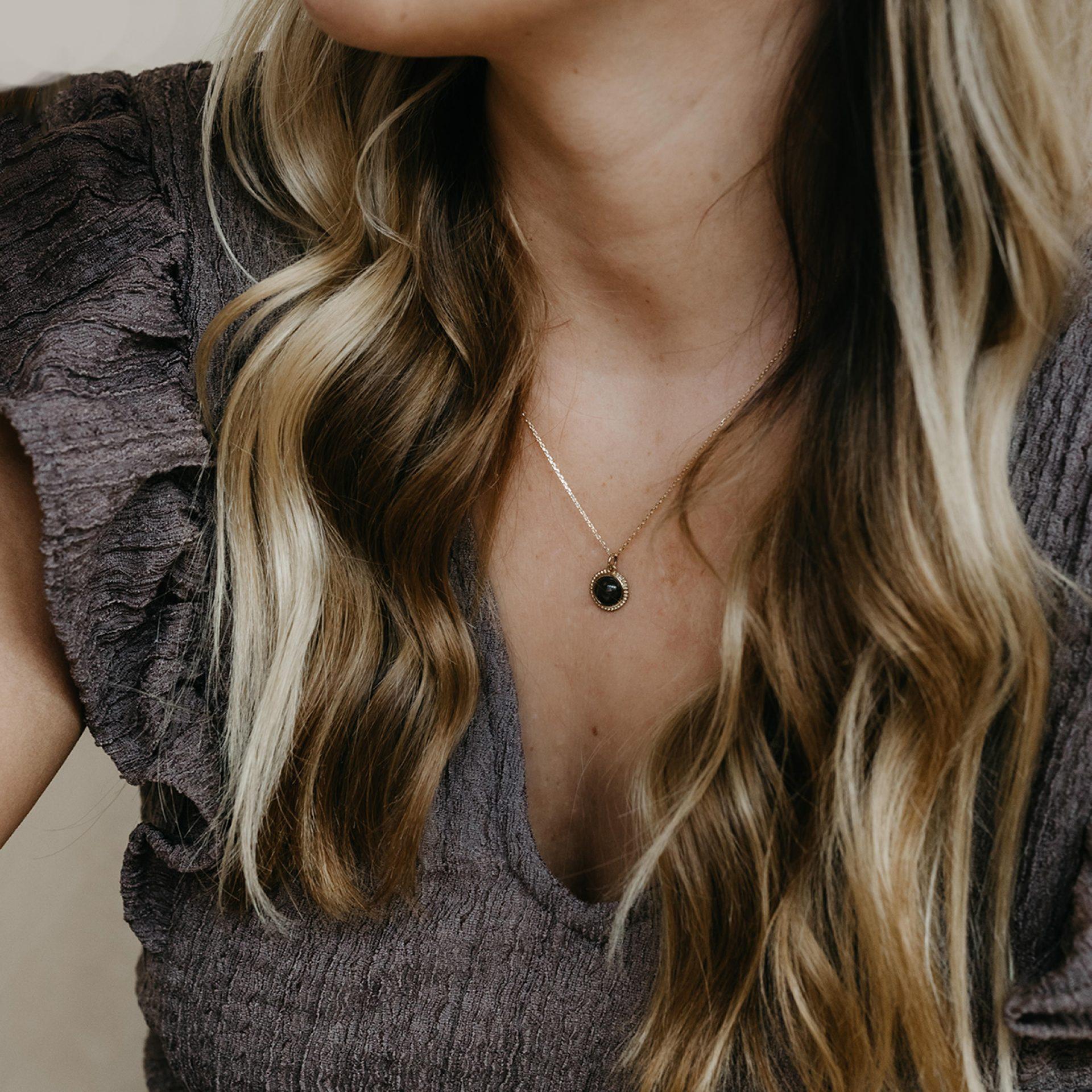 Halskette für Frau Gold aus Haar Kremationsasche