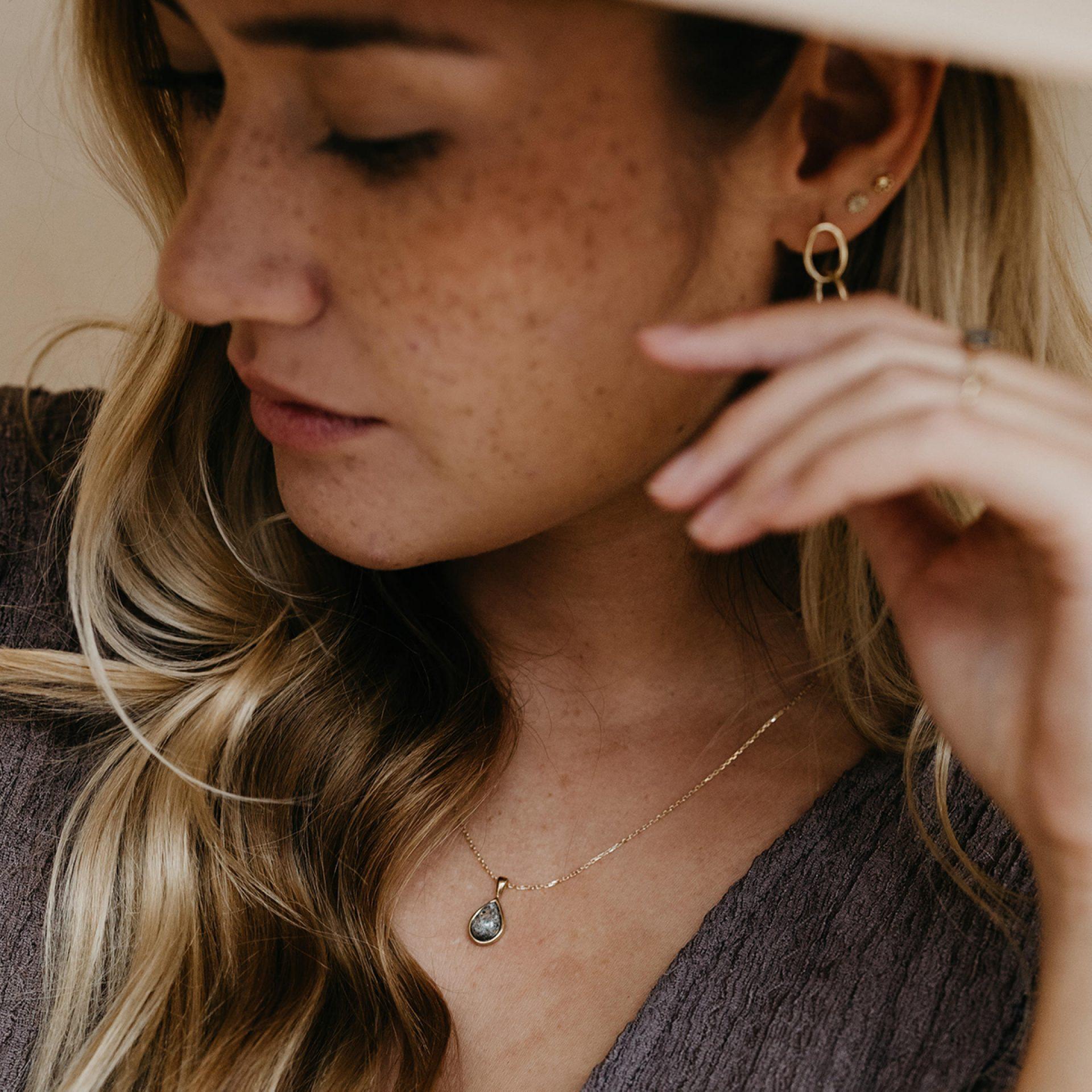 Halskette für Frau aus Asche oder Haar Erinnerung