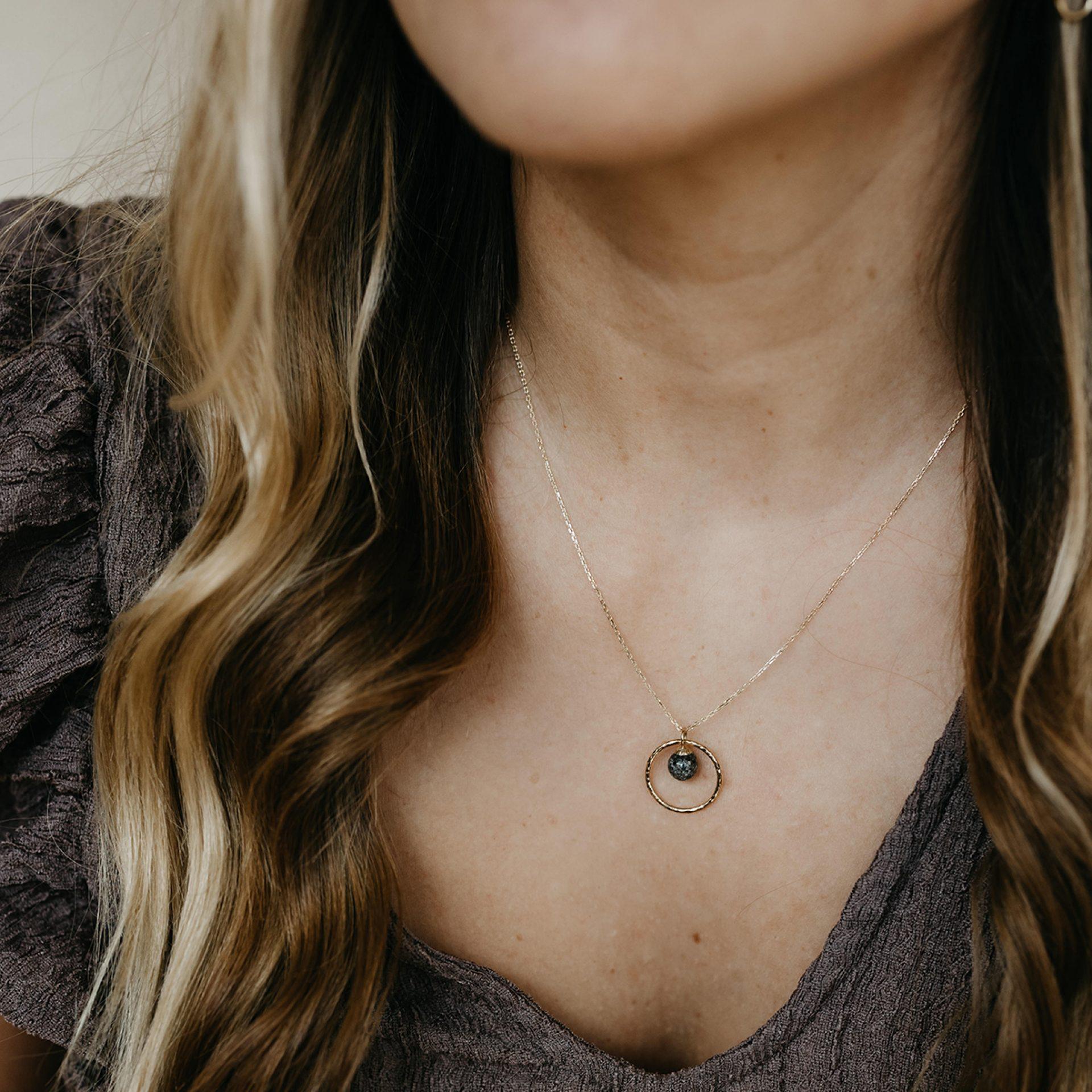Halskette Schmuck aus Kremationsasche Verstorbener Mensch oder Tier Haar
